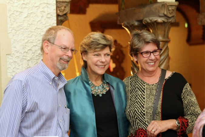 NPR's Cokie Roberts visits with INner Circle donors during an exclusive reception