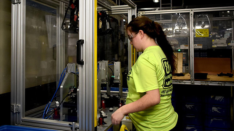 Ivy Tech Community College Adds Apprenticeships For Industrial IOT
