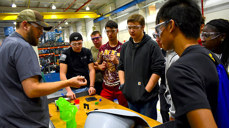 Hundreds Of Hoosier Companies Participate In Manufacturing Day