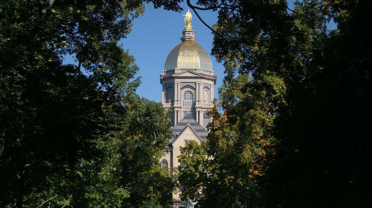 Notre Dame Cancels In-Person Classes For 2 Weeks After COVID-19 Spike