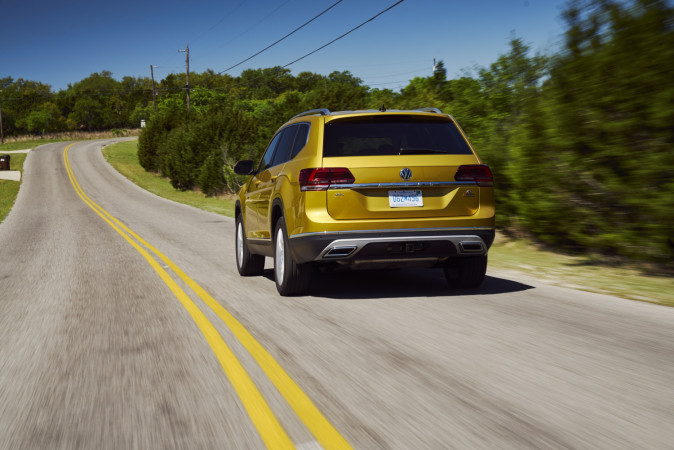 VW Displaces Small Beetle With Big Atlas