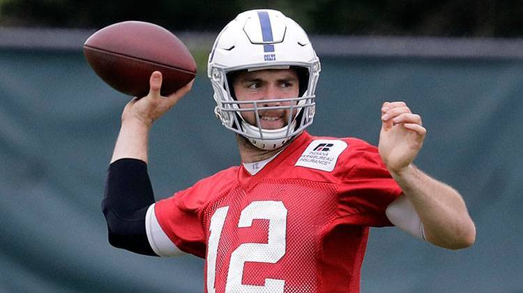 Colts say Andrew Luck (shoulder) has resumed throwing