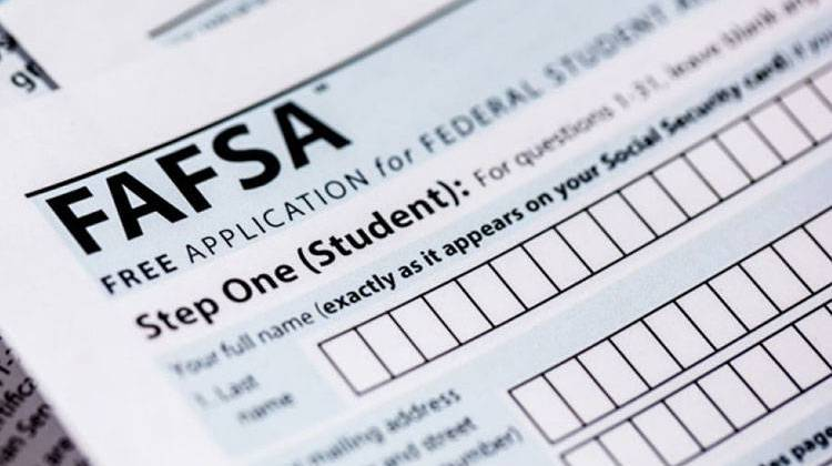Indiana Lawmakers Take Next Step To Require FAFSA Submission