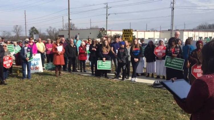 People rally to defund Planned Parenthood. - Jill Sheridan/IPB News