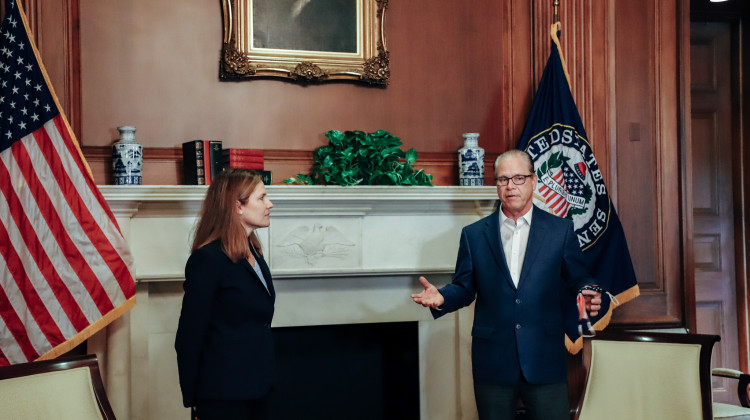 Sen. Romney meets with Judge Amy Coney Barrett