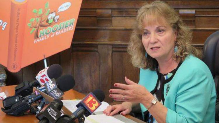 State Superintendent Glenda Ritz speaks with reporters after Indiana's request for a waiver from some rules of the federal No Child Left Behind law was approved in 2014. ( - Scott Elliott / Chalkbeat Indiana