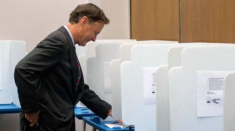 Bayh Casts Ballot For Clinton In Indiana Primary