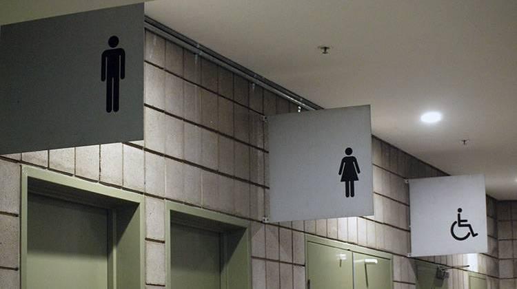 white house releases guidance on transgender bathroom use