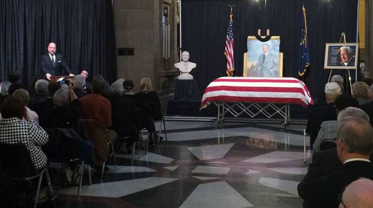 Hundreds gather to honor former Indiana Gov. Whitcomb