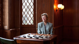 Cokie Roberts, Pioneering Journalist Who Helped Shape NPR, Dies at 75