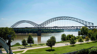 Indiana Urged Not To Close Ohio River Bridge During Repairs