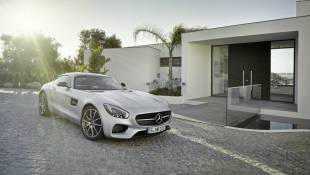 Mercedes-AMG GT-S Inherits Supercar Legacy
