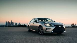 Lexus ES350 Is Like A Toyota Camry After Winning The Lottery