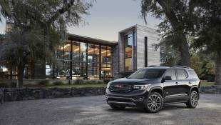 GMC Acadia All Terrain Attends New Ball