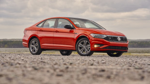 2019 VW Jetta R-Line Is A Good Car For Spoiled Automotive Journalists