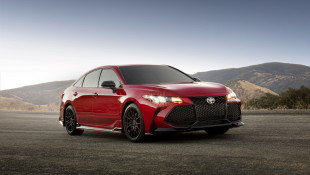 Sporty Lexus ES350, Designer Toyota Avalon All New For 2019