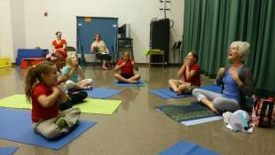 Indy Schoolkids Focus on Yoga