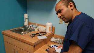 Doctors Say Telemedicine Can't Replace In Person Addiction Care