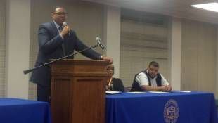 Ferebee Faces Skeptical Audience At Forum On IPS Autonomy Plan