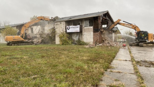 Demolition On Abandoned Oaktree Apartments Begins