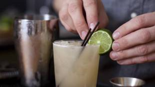 New Law Puts Gloves On California Bartenders