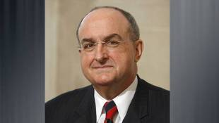 IU Trustees Extends President McRobbie's Contract To July 2021