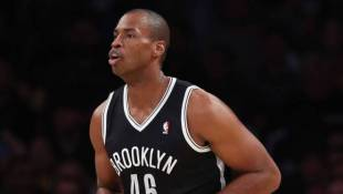 VIDEO: Warm Reception As NBA's Jason Collins Makes History