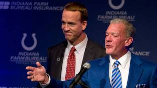Colts Will Retire Number 18, Build Statue of Manning