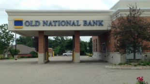 Old National Bank Offers Financial Assistance To Those Affected By Government Shutdown