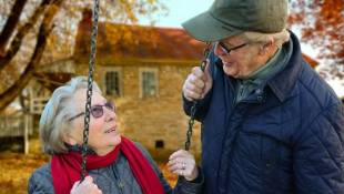 Psychiatrist Writes Guide For Caregivers On Senior Mental Health