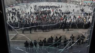Ukraine Forcibly Removes Kharkiv Protesters; Other Standoffs Continue